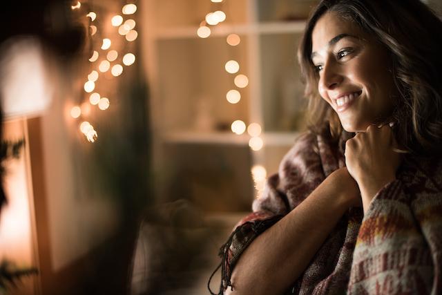 Schwangere Frau zu Weihnachten